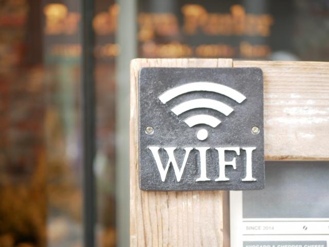 自宅のWi-FiをソフトバンクAirとauスマートポートで徹底比較!
