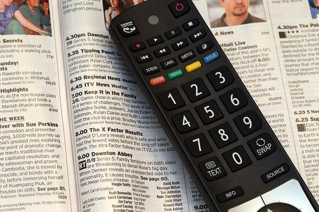 ソフトバンク光のテレビサービス・スカパー!とひかりTVを比較